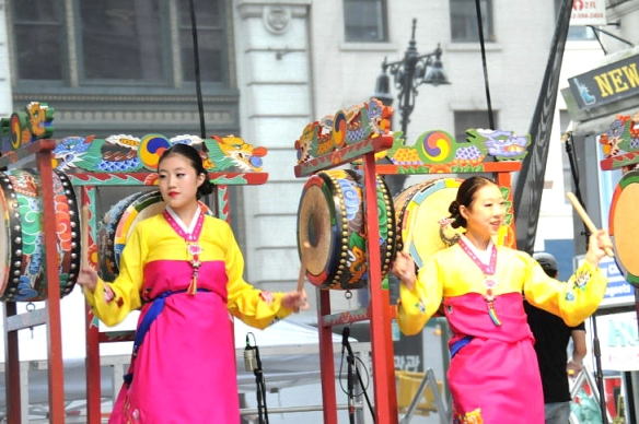 2012 korean parade book chum 1